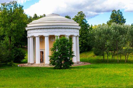 Temple of Friendship pavilion in Pavlovsk park, Russia 写真素材 - 134842361