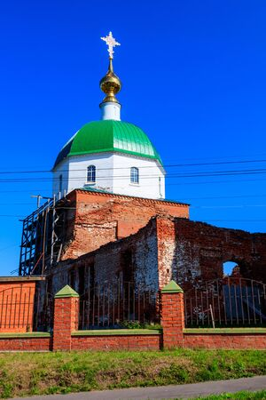 Holy Trinity Church in the village Karacharovo near Murom, Russia Banco de Imagens - 134834542