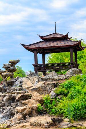 Beautiful japanese gazebo in a park 스톡 콘텐츠