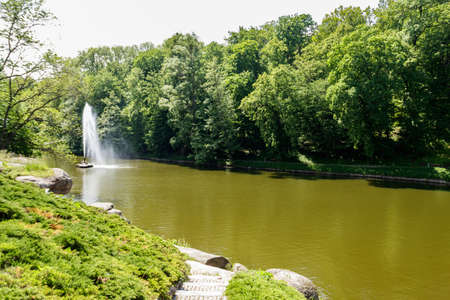 View of a lake with Snake Fountain in Sofiyivka park in Uman, Ukraine 写真素材 - 152419124