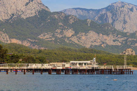 View of the Mediterranean sea coast and the Taurus mountains in Kemer, Antalya province in Turkey 免版税图像