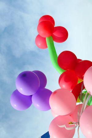 Feest of verjaardag partij ballonnen op van de hemel Stockfoto