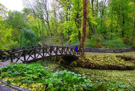 Uman, Sofiyivka, Cherkasy region, Ukraine.  Famous tourist place. Ukrainian landscape. National park, spring green leaves on trees 免版税图像