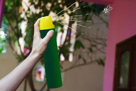Aerosol in hand kill mosquito by spray Zdjęcie Seryjne