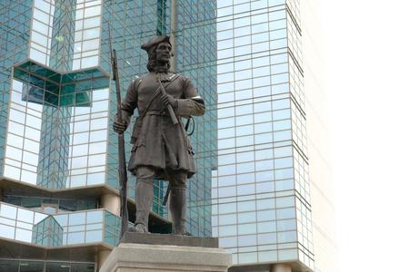 Moskau, Russland - 23. Dezember 2017: Denkmal für den russischen Gardisten des Semenovsky Regiments Standard-Bild - 92749870