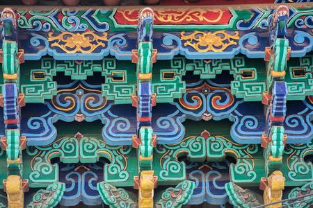 Dekorative Dekoration eines alten chinesischen Klosters in Yunnan-Provinz Standard-Bild - 92952273
