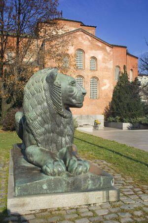 Il monumento del guerriero sconosciuto situato in Sofia, Bulgaria