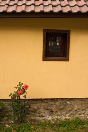 Tradizionali case bulgari. Citt� di Koprivshtitsa qui raffigurato. Questa immagine � presa con filtro CPL.