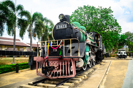 Iron bridge is a landmark (Landmarks and Memorials in Thailand), and the most important is the virtual symbol of Kanchanaburi (Kanchanaburi visit) at the same time. 스톡 콘텐츠 - 101998133