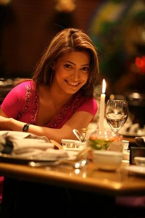 diner romantique: Femme � un d�ner romantique  Banque d'images
