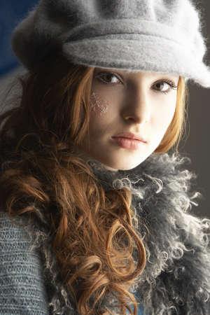 tejidos de punto: Moda adolescente vistiendo Cap Y g�neros de punto en Studio