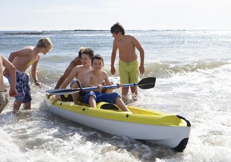 ocean kayak: Adolescentes kayak