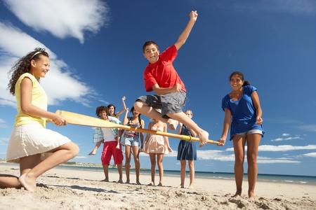 h�rde: Jugendliche, die Spa� am Strand