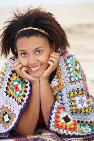 alice band: Portrait teenage girl on beach