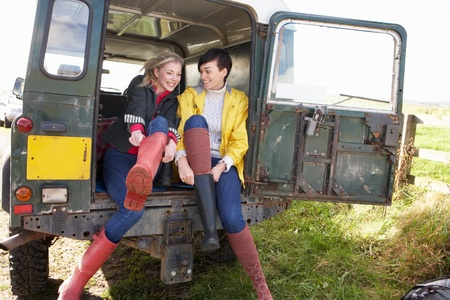 wellington: Young women in the country