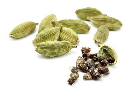 pods: cardamon with cardamon seeds