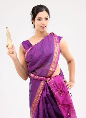 sari: ama de casa con el rodillo de alimentaci�n