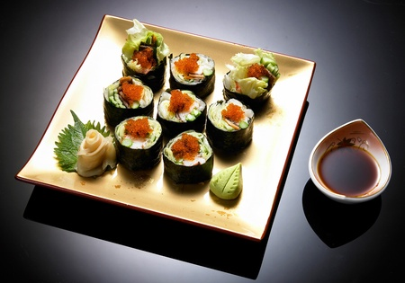 sushi rolls with shnitt onion on bowl
