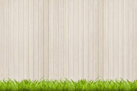 Houtstructuur en groene gras achtergrond
