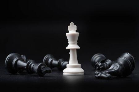 Chess isolated on black Foto de archivo - 129248027
