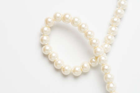 pearl necklace isolated on white blackground 版權商用圖片