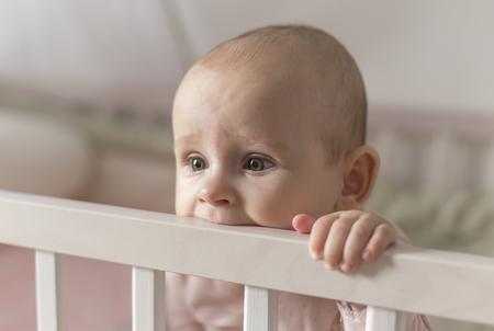 leche: primeros dientes crecen un beb�, el dolor y morder