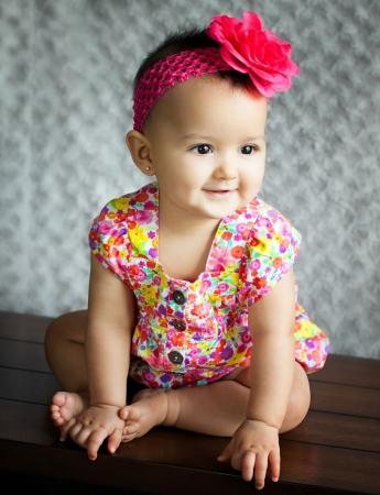 Porträt einer schönen Mädchen lächelnd Standard-Bild - 22071855