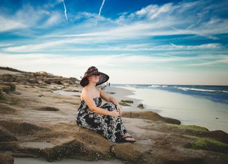 vanishing point: Girl on the beach