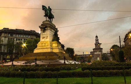 garibaldi: garibaldi statue in milan
