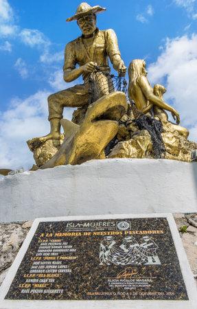 mujeres: Fishermen memorial statue on Isla Mujeres,Yucatan