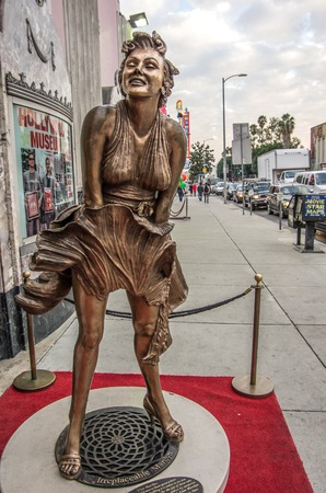 fames: LOS ANGELES - DECEMBER 18, 2013: View of Hollywood Boulevard and Hollywood museum. In 1958, the Hollywood Walk of Fame was created on this street as a tribute to artists working in the entertainment industry Editorial