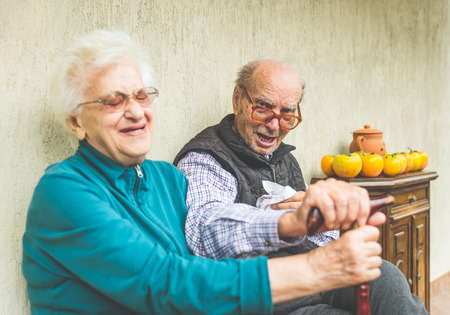alzheimers: old happy couple