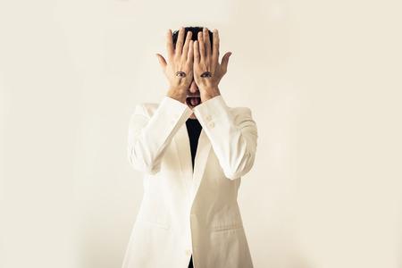 illuminati: seeing through the hands