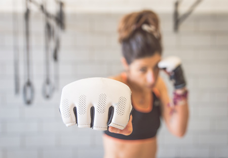 sexo femenino: luchador pu�o Foto de archivo