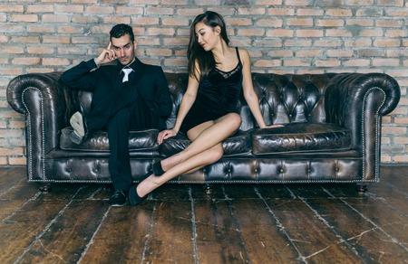 pareja apasionada: Problemas de pareja. mujer pidiendo perd�n a su hombre