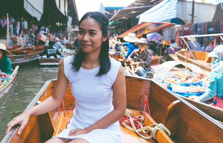 monasticism: Thai woman at the floating market