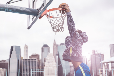 Huge slam dunk