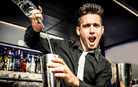 Flair barman in actie Stockfoto