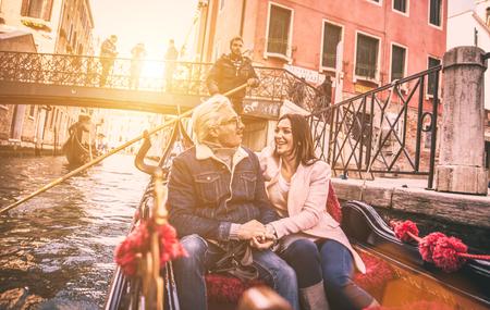 europe travel: Happy couple on romantic holiday in Venezia