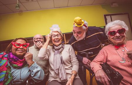 mensen oude partij in het hospice Stockfoto