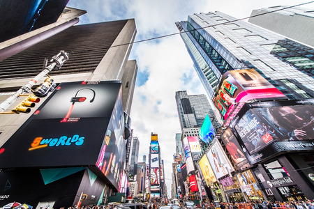 NEW YORK CITY, NY - NOVEMBER 25, 2015: Times Square is featured with Broadway Theaters and LED signs as a symbol of New York City and the United States, September 5, 2009 in Manhattan, New York City. 新聞圖片