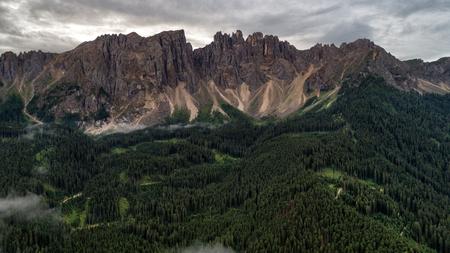 Montagne nelle Alpi Archivio Fotografico - 93322207