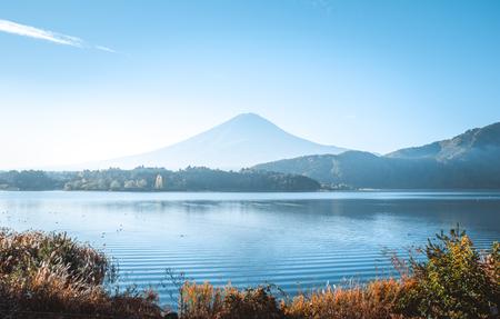 Vue sur la montagne Fuji. Le mont le plus célèbre au Japon