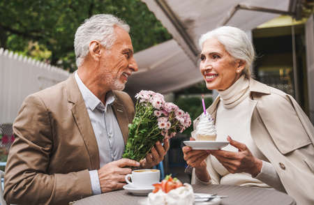 Beautiful senior couple dating outdoors - Mature couple portrait, concepts about elderly and lifestyle