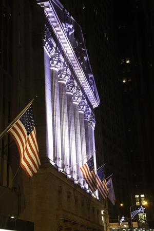 new york stock exchange: Borsa di New York di Notte di Natale Archivio Fotografico