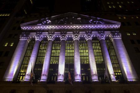 new york stock exchange: New York Stock Exchange da Dark Night Archivio Fotografico