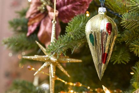 Old Fashioned Christmas Decorations In The Christmas Tree. Stock ...