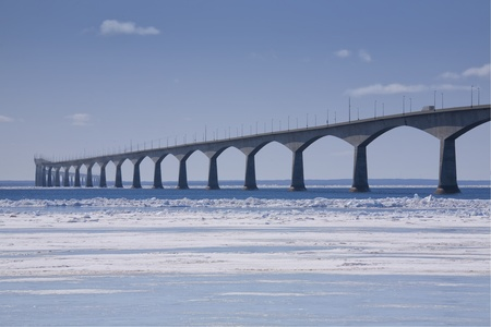 edward: A winter view of the Confederation Bridge that links Prince Edward Island, Canada with mainland New Brunswick. (as viewed from the PEI side)