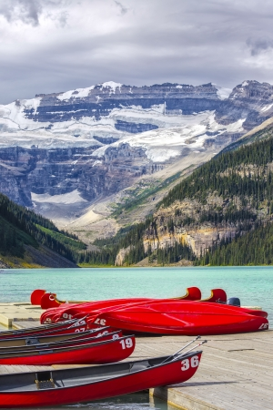 louise: Beautiful Lake Louise in Banff National Park, Canada.