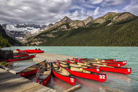banff: Beautiful Lake Louise in Banff National Park, Canada.